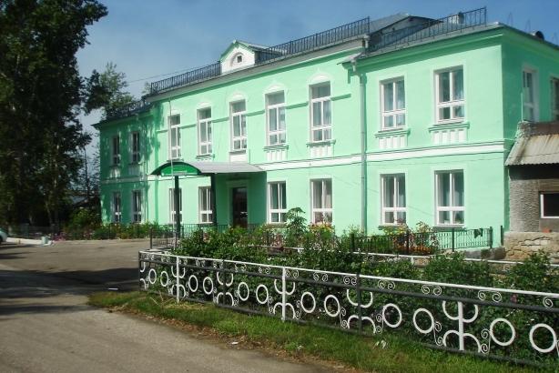 Здание Заларинского Агропромышленного Техникума